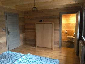 10. první spodní pokoj se sprchou a WC_result
